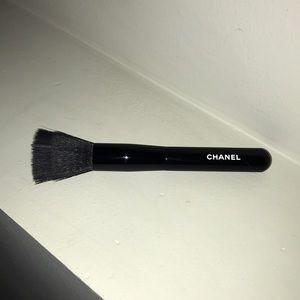 Chanel Foundation Blending Brush